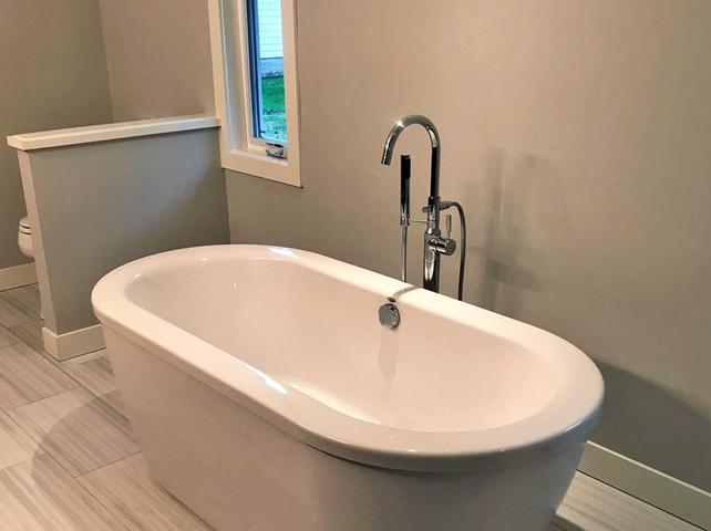 Tub plumbing services